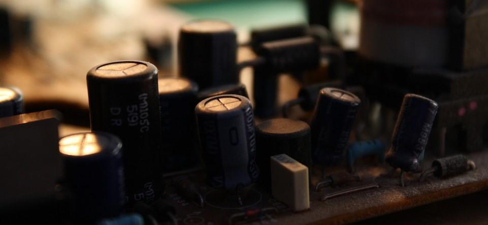 condensatore su scheda